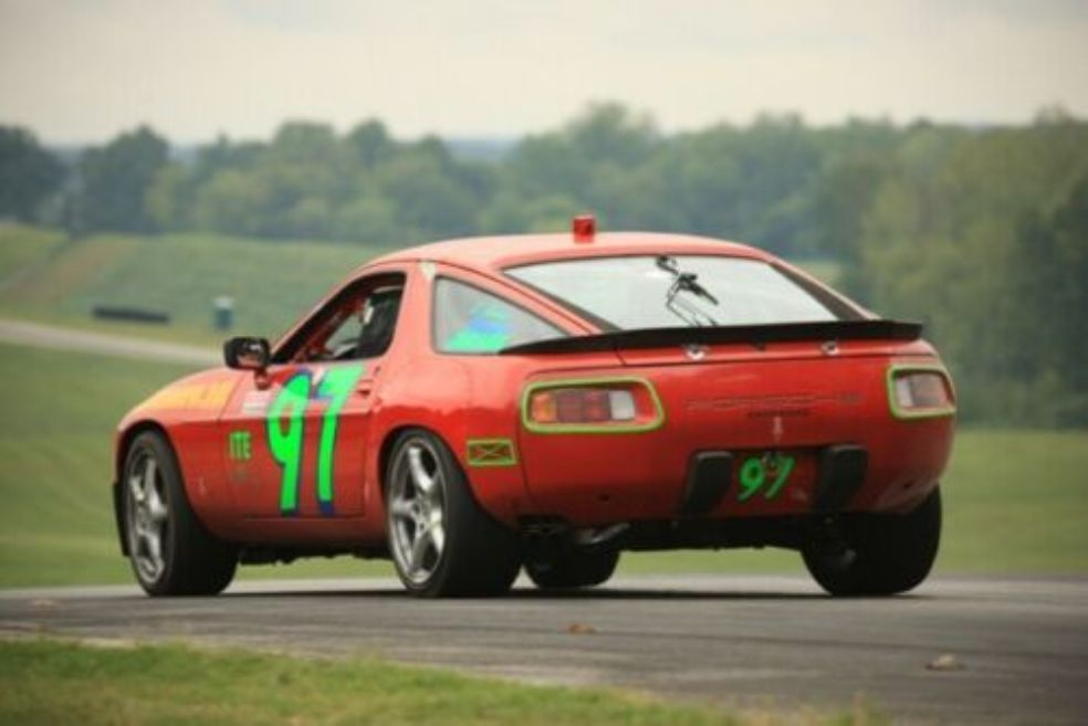 1986 PORSCHE 928 MODIFIED FOR RACING
