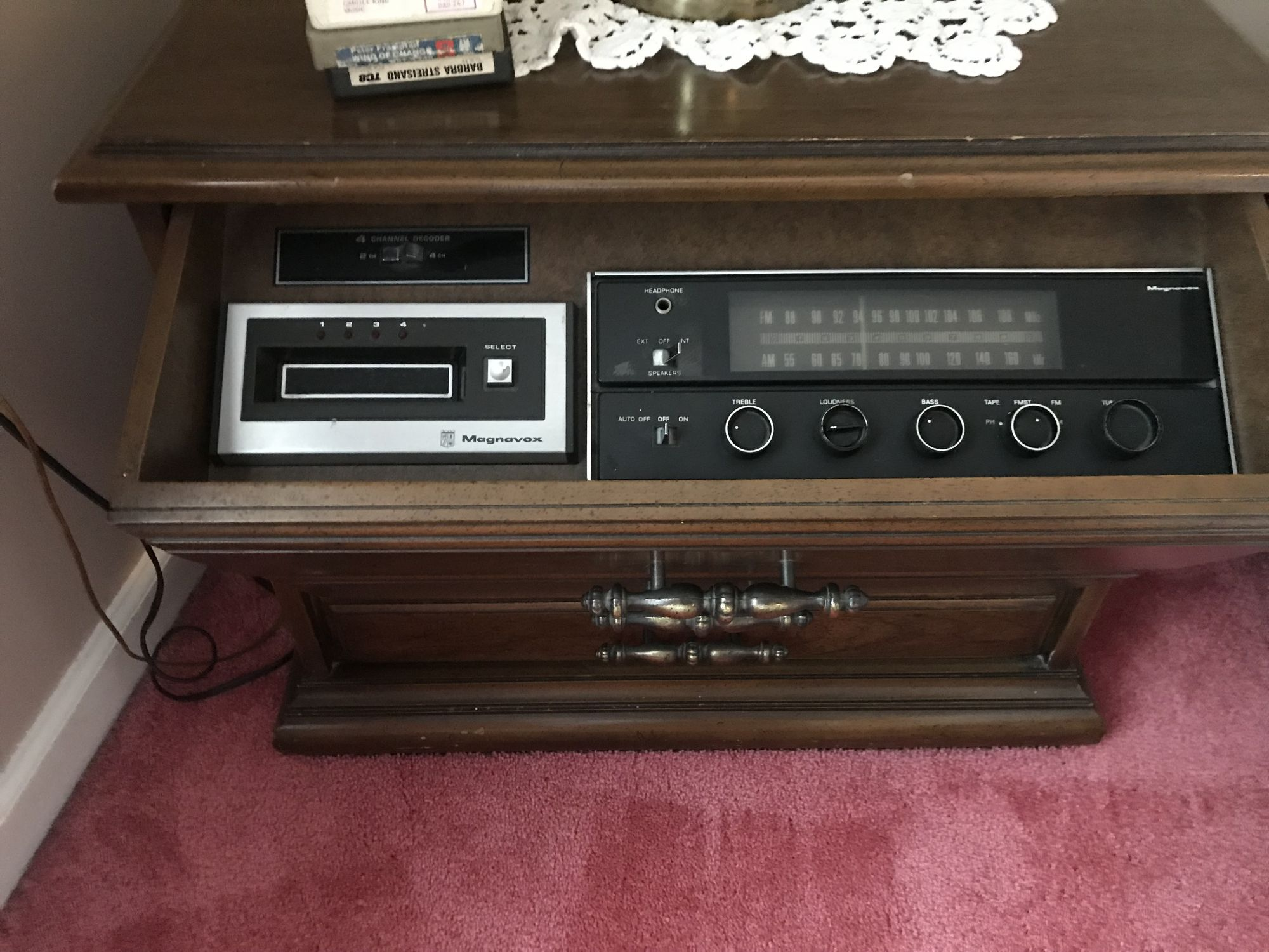 Wondrous Vintage Magnavox 8 Track Stereo Console End Table Interior Design Ideas Gentotryabchikinfo